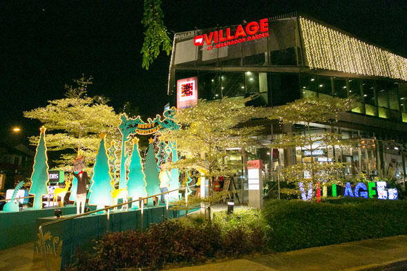 myVillage's Christmas Light-Up sees hundreds of Villagers come together to mark the start of the festive season with a symbolic light-up led by the mall developers, Chye Lee & Sons.